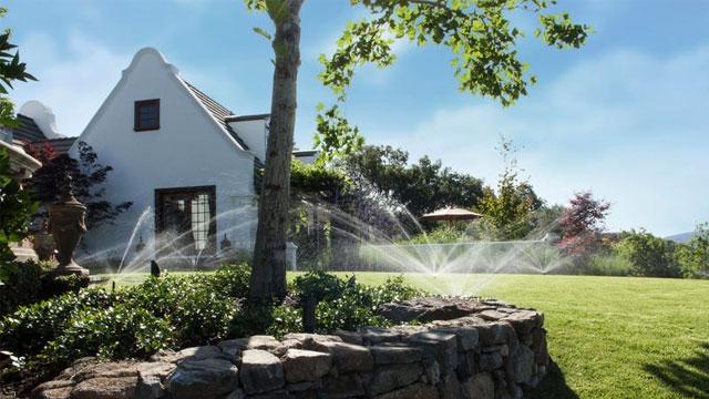 ติดตั้ง ระบบรดน้ำอัตโนมัติ สนามหญ้าบ้านคุณจอน สันป่าตอง เชียงใหม่